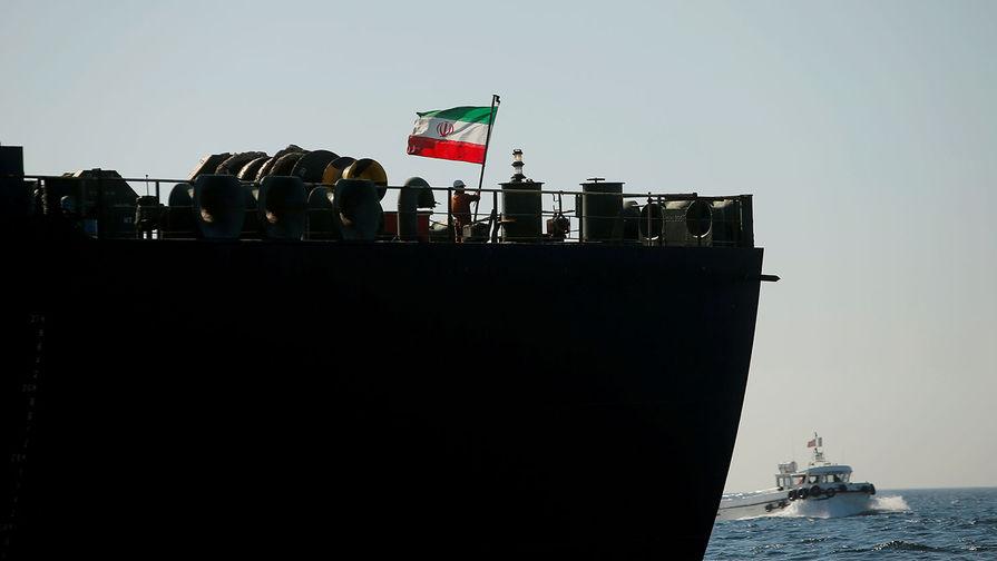 На иранском танкере в Красном море произошел взрыв