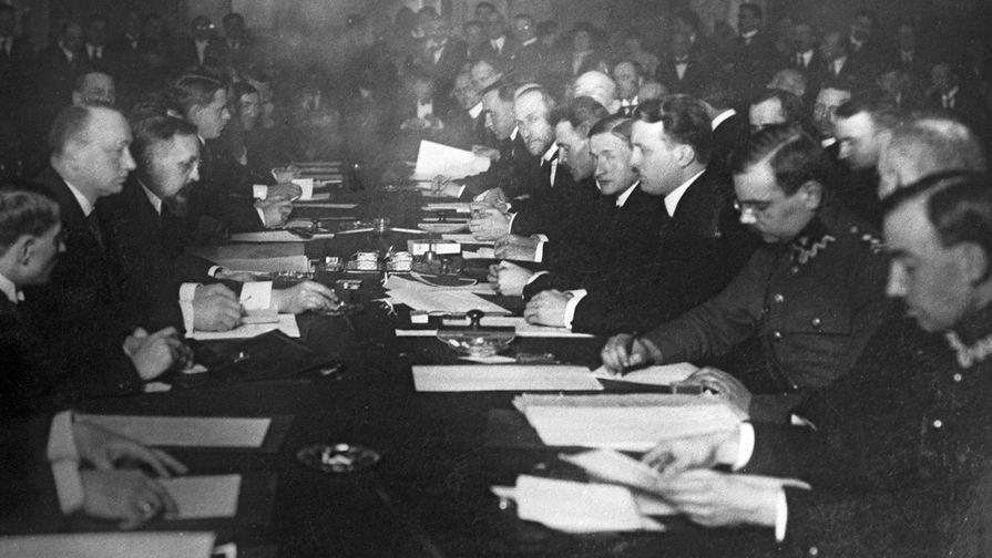Подписание мирного договора между РСФСР и Польской республикой 18 марта 1921 года в Риге