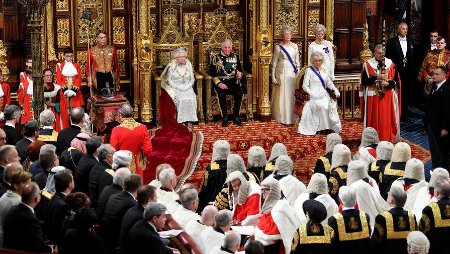 Brexit превыше всего: Елизавета II поддержала Джонсона