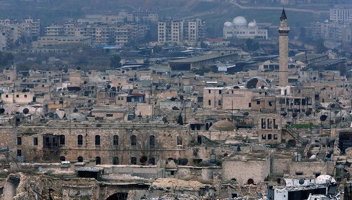 Вид разрушенного Старого города Алеппо со стороны Цитадели, 2017 год