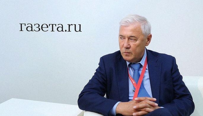 Глава думского комитета по финансовому рынку Анатолий Аксаков во время интервью на Петербургском...