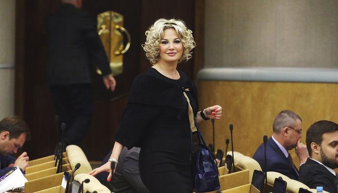 Мария Максакова на пленарном заседании Государственной думы РФ, 2016 год