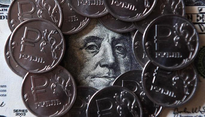 Далеко не убежишь: почему Россия не может уйти от доллара