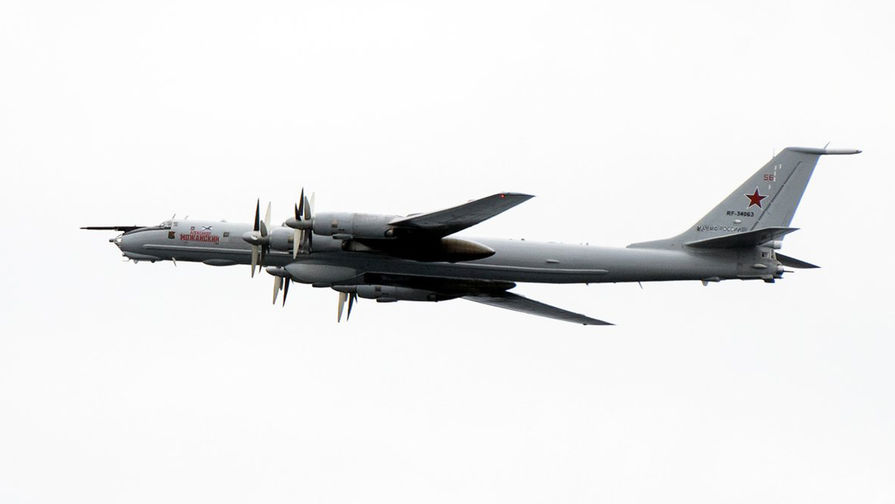 Российские Ту-142 выполнили плановый полет над Беринговым и Чукотским морями