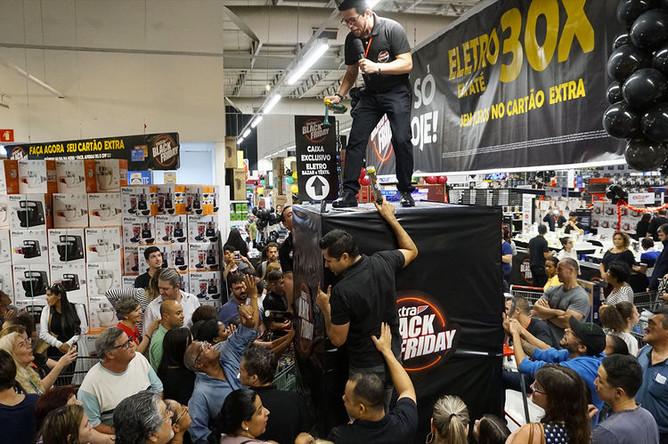 Во время распродажи в Черную пятницу в Сан-Паулу, Бразилия, 23 ноября 2018 года