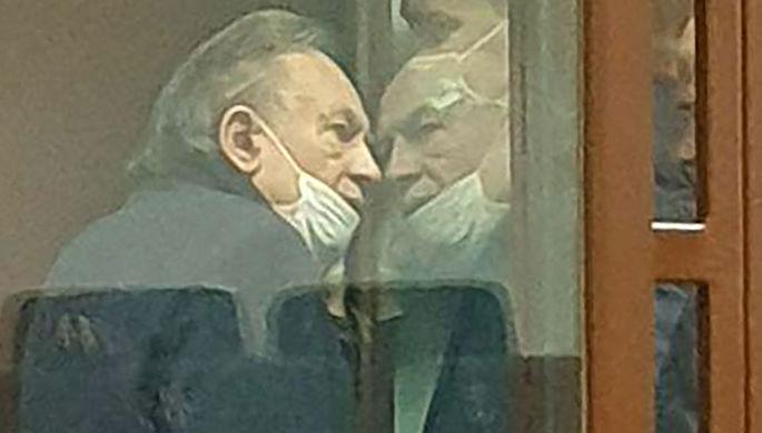 Пакет с головой и обрез: что нашли в квартире историка Соколова