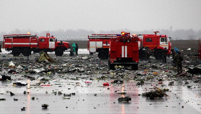 На месте крушения Boeing 737-800 авиакомпании FlyDubai, разбившегося при посадке в аэропорту Ростов-на-Дону
