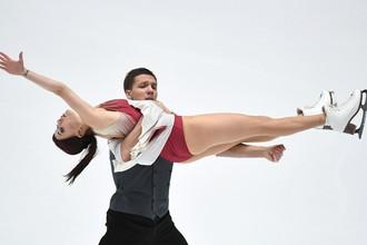Фигуристы Екатерина Боброва и Дмитрий Соловьев