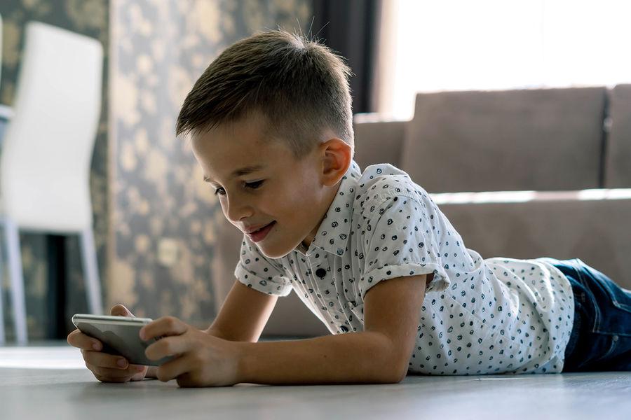 Кабмин РѕРґРѕР±СЂРёР» выплату семьям СЃРґРµС'СЊРјРё старше шести лет