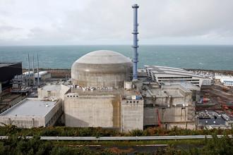 АЭС «Фламанвиль» на северо-западе Франции. Фото из архива