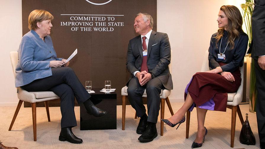 Премьер-министр Германии Ангела Меркель, король Иордании Абдалла II с женой королевой Ранией на...