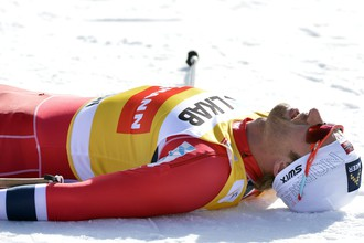 Норвежец Петтер Нортуг после финиша