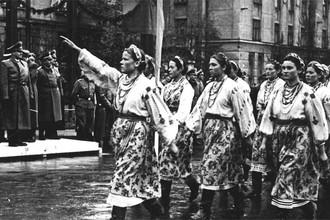 Парад во Львове в 1941 году после взятия города немецкими войсками