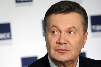 Бывший президент Украины Виктор Янукович во время заявления об отказе от участия в проходящем в Киеве судебном процессе по обвинению его в государственной измене, 5 июля 2017 года
