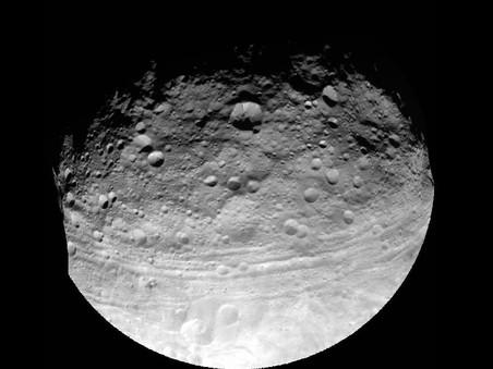 ���������� ����������� ������� ������������ ������� �������� 2012 YQ1, ������� ����� ����������� � ������ � 2106 ����