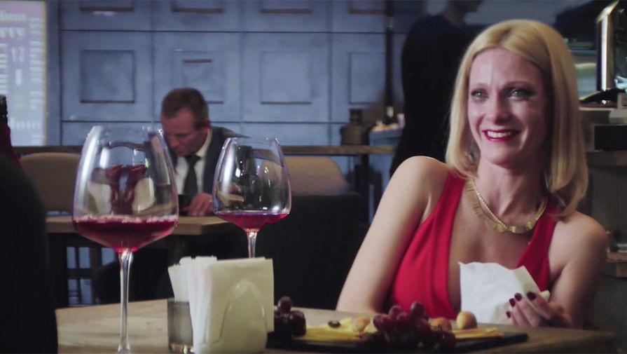 Кадр из фильма «Очень женские истории» (2020)