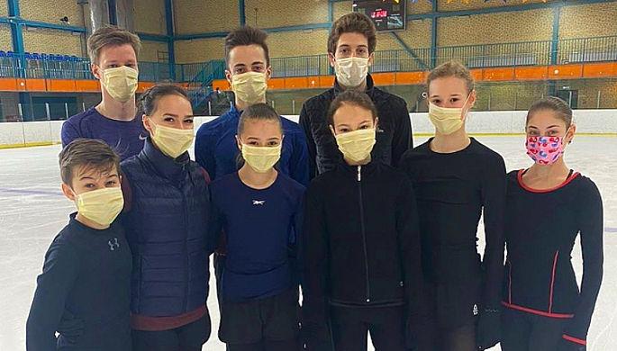 Ученики Этери Тутберидзе в защитных масках от коронавируса