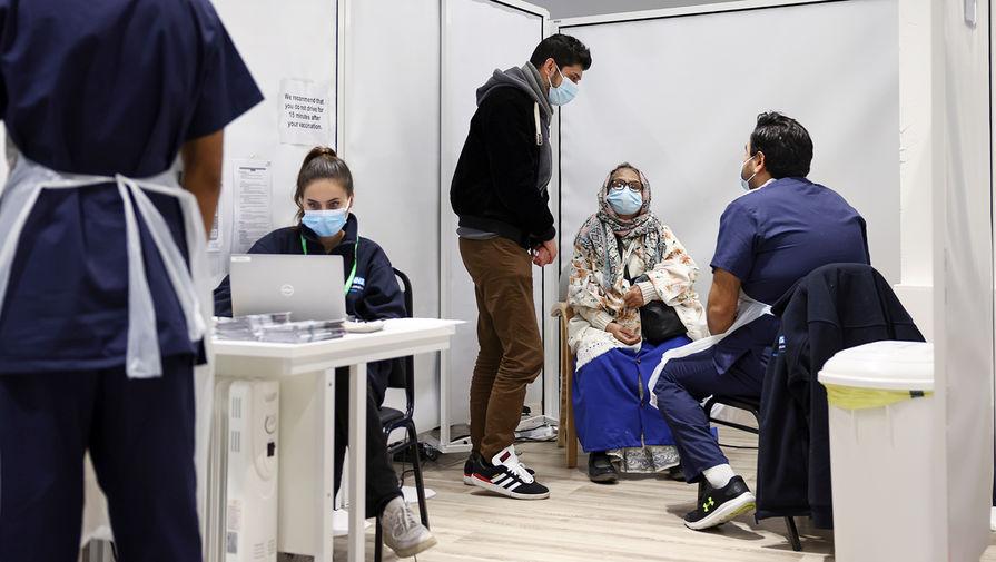 ВОЗ: число случаев COVID в мире снижается, но новые штаммы продолжают распространяться