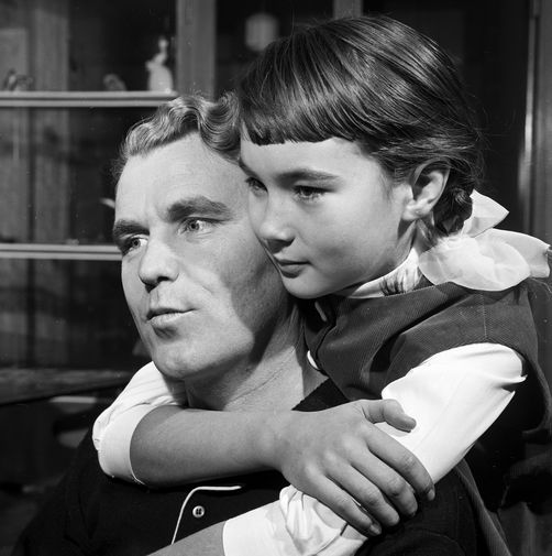 Владимир Шаталов с дочерью Леной, 1969 год