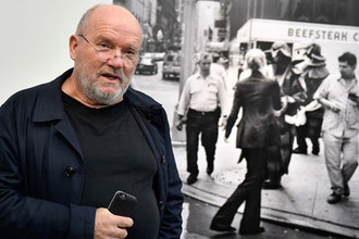 Фотограф Петер Линдберг на своей выставке «Женщины на улице» в Германии, 2017 год
