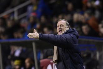 Дик Адвокат не смог вывести ПСВ в плей-офф Лиги Европы