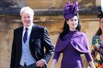 Дядя принца Гарри Чарльз Спенсер сженой Карен насвадьбе принца Гарри и Меган Маркл вВиндзоре, 19 мая 2018 года