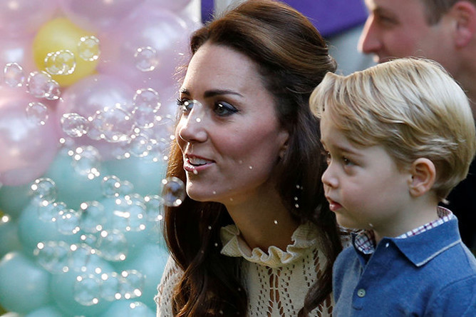 Кэтрин, герцогиня Кембриджская и принц Джордж, 29 сентября 2016 года