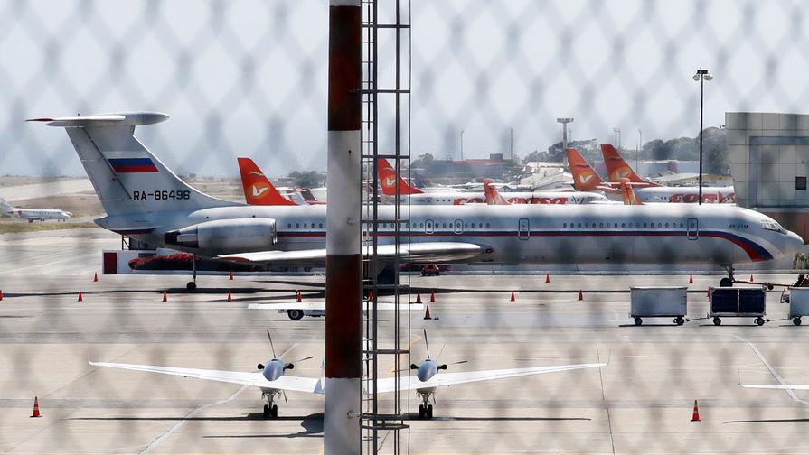 Российскому самолету не дали вылететь с Кипра из-за угрозы взрыва