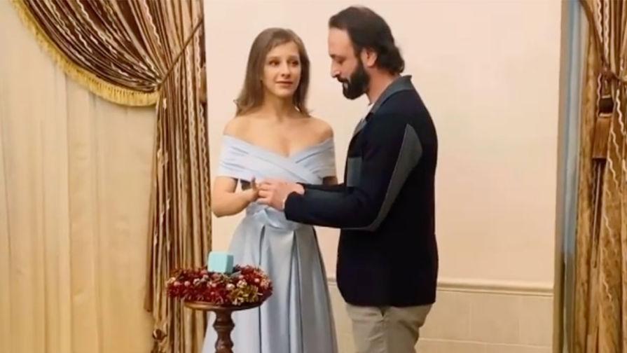 Елизавета Арзамасова и Илья Авербух в ЗАГСе