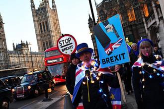 Демонстрация противников Brexit около Вестминстерского дворца в Лондоне, 12 марта 2019 года
