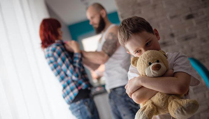 «Ему плевать»: как экс-мужья присваивают выплаты на семью