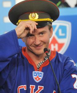 Евгений Набоков отвечал на вопросы первым