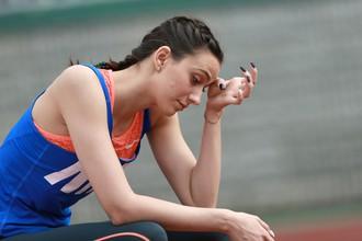Российская прыгунья в высоту Мария Ласицкене в блестящем стиле прошла на чемпионат мира по легкой атлетике в Лондоне, однако сборная России выступит на турнире весьма ограниченным составом — всего восемь человек