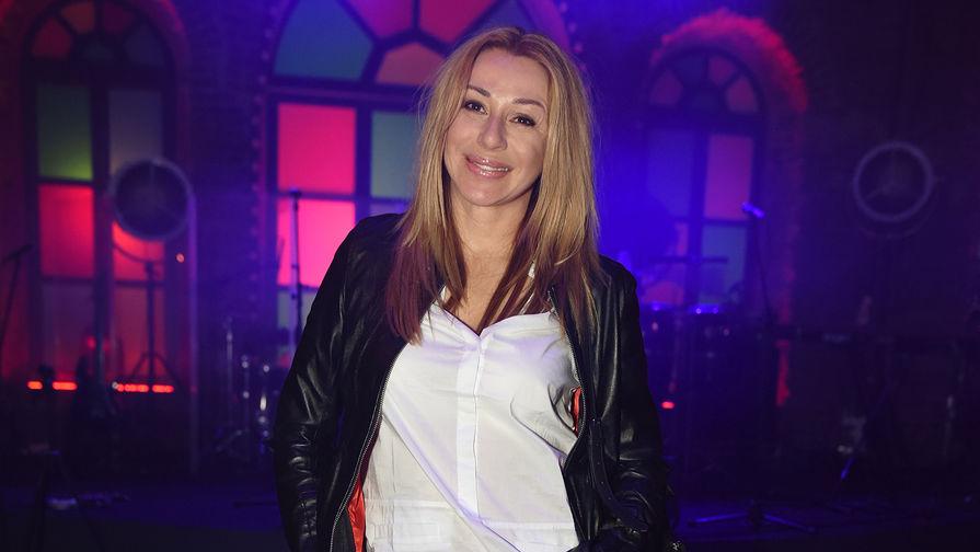 Певица Алена Апина, 2016 год