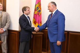 Дружить с Россией и США: Додон рассказал про планы Молдавии