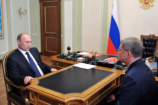 Генпрокурор РФ Юрий Чайка отчитался перед президентом Владимиром Путиным о финансировании российских НКО