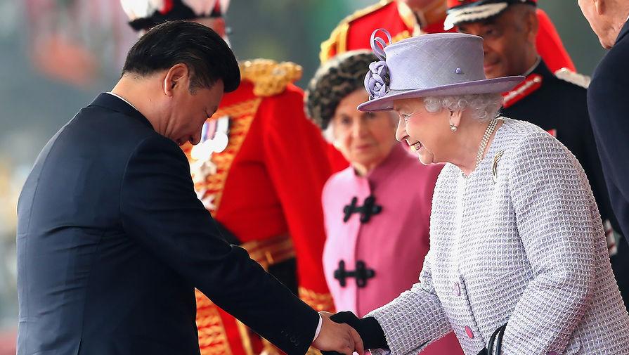 Фото: Товарищ Си Цзиньпин в Букингемском дворце