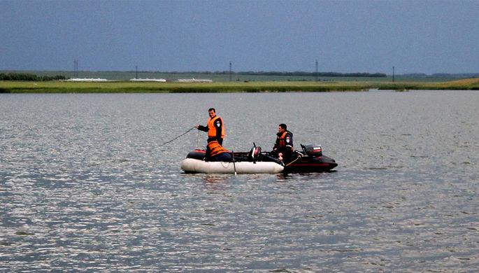 Поисково-спасательные работы на озере Максим в Чесменском районе Челябинской области, июль 2017 года