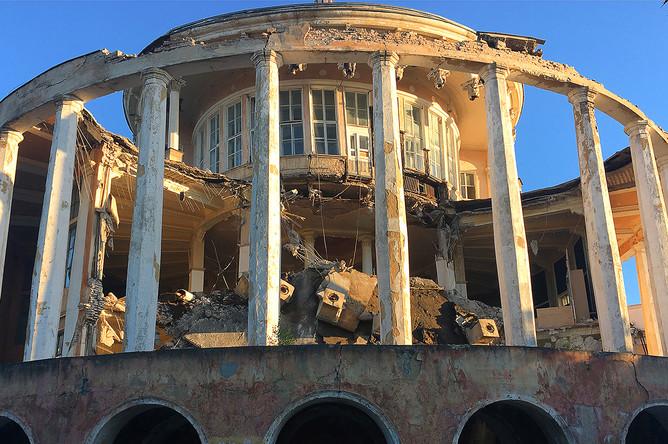 Здание речного вокзала, после обрушения, 8 августа 2017 года