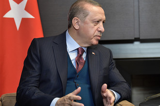 Президент Турции Реджеп Тайип Эрдоган во время встречи с президентом России Владимиром Путиным во время встречи в Сочи, 13 ноября 2017 года