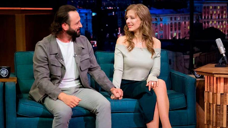 Елизавета Арзамасова и Илья Авербух в программе «Вечерний Ургант», 23 сентября 2020 года