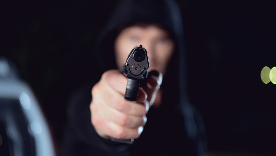 Житель Челябинска открыл стрельбу по людям в центре города