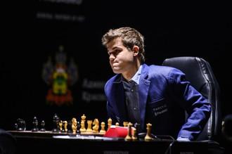 Магнус Карлсен — основной претендент на победу в домашнем турнире