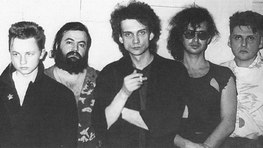 Олег Парастаев (второй слева) в составе группы «Альянс», 1987 год