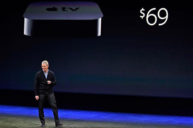 Тим Кук во время презентации Apple