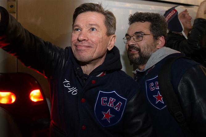 Главный тренер СКА Вячеслав Быков в терминале Пулково-2 в Санкт-Петербурге