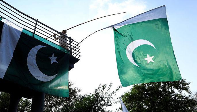 Пакистан пообещал передать Индии задержанного пилота