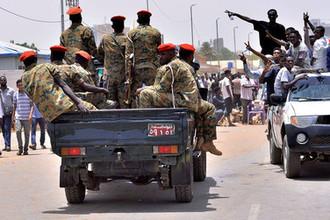 Ситуация в Хартуме после задержания президента Судана Омара аль-Башира, 11 апреля 2019 года