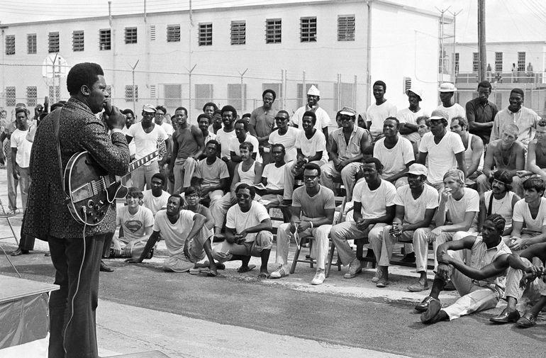 Би Би Кинг во время выступления для заключенных во Флориде, 1971 год