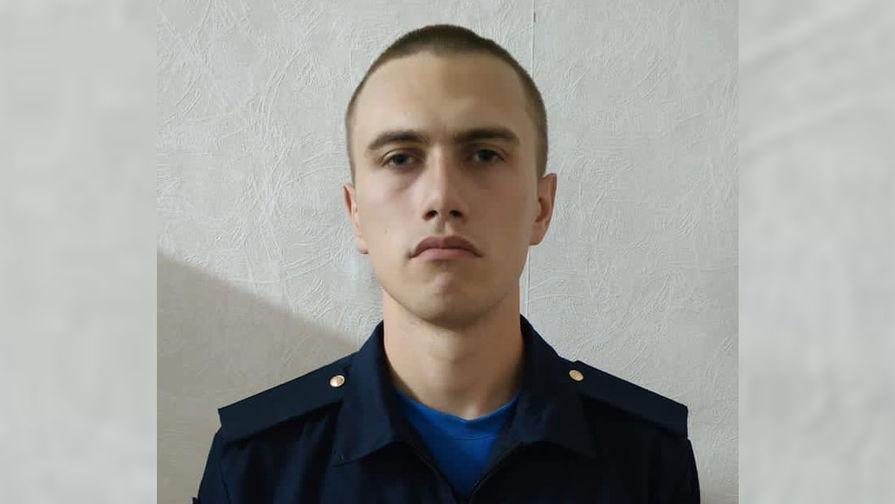 Антон Макаров, подозреваемый в убийстве сослуживцев под Воронежем